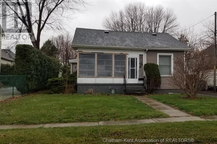 House for sale at 180 West St Chatham Ontario - MLS: 20015913