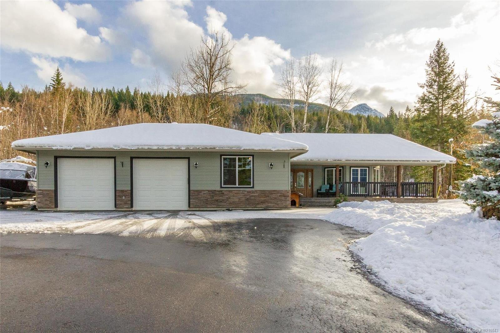 House for sale at 1800 Foothill Rd Southwest Salmon Arm British Columbia - MLS: 10218843