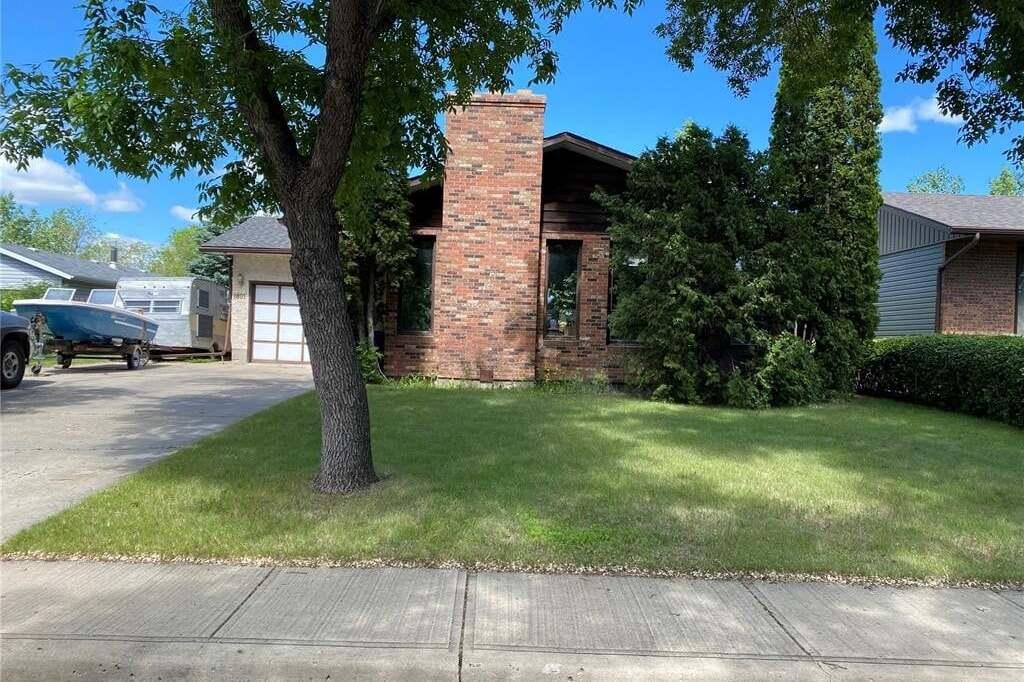 House for sale at 1801 Gregory Dr North Battleford Saskatchewan - MLS: SK813873