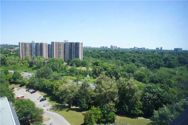 Buliding: 100 Leeward Glwy, Toronto, ON