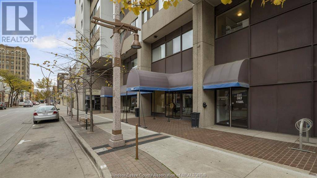 Condo for sale at 380 Pelissier St Unit 1802 Windsor Ontario - MLS: 20004655