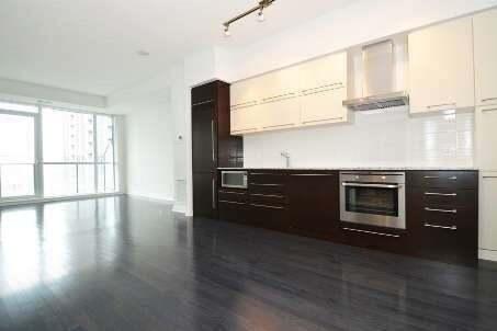 Apartment for rent at 770 Bay St Unit 1802 Toronto Ontario - MLS: C4819804