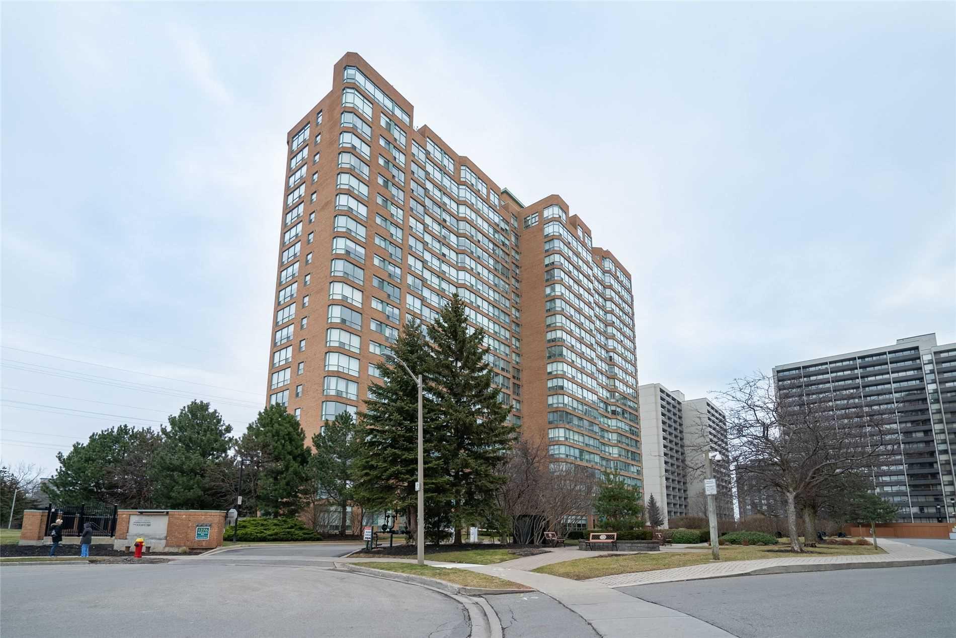 For Sale: #1804 - 1276 Maple Crossing Boulevard, Burlington, ON | 2 Bed, 2 Bath Condo for $599900.00. See 20 photos!