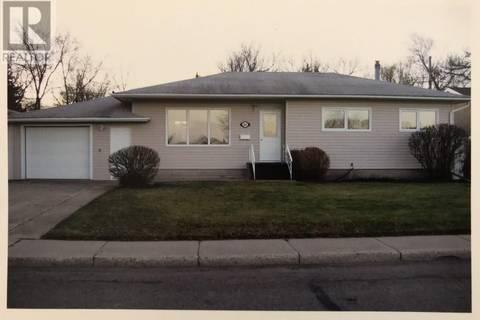 House for sale at 1805 Dieppe Cres Estevan Saskatchewan - MLS: SK798394