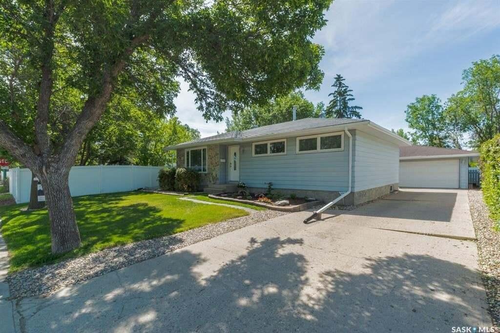 House for sale at 1809 12th Ave Regina Saskatchewan - MLS: SK814378
