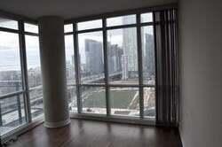 Apartment for rent at 15 Fort York Blvd Unit 1812 Toronto Ontario - MLS: C4929533