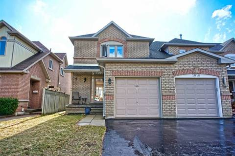 Townhouse for sale at 1814 Woodgate Ct Oshawa Ontario - MLS: E4734352