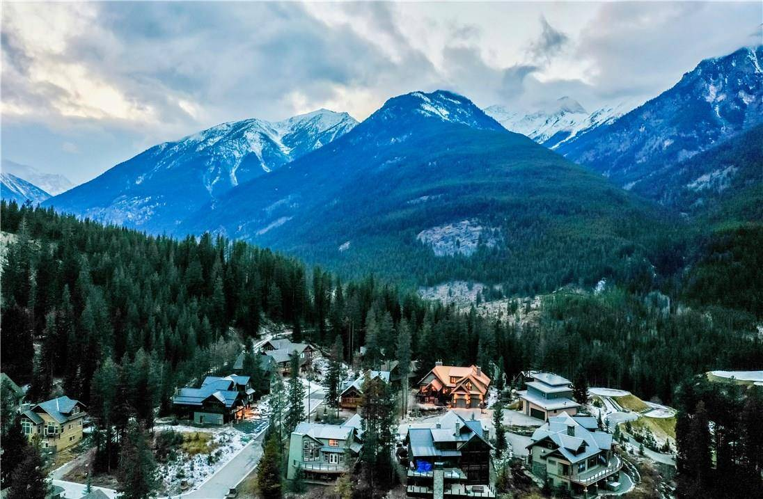 House for sale at 1815 Wildwood Close  Panorama British Columbia - MLS: 2441925