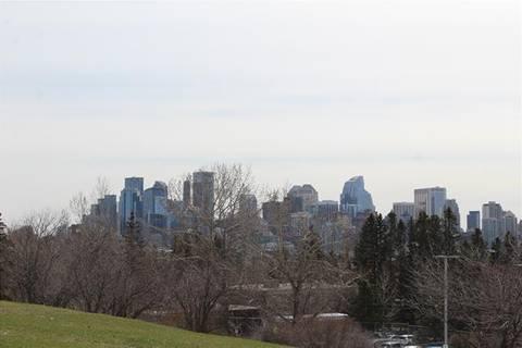1819 11 Avenue Northwest, Calgary | Image 2