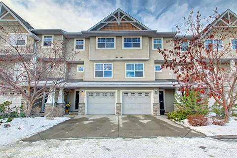 Townhouse for sale at 182 Inglewood Gr Southeast Calgary Alberta - MLS: C4282459