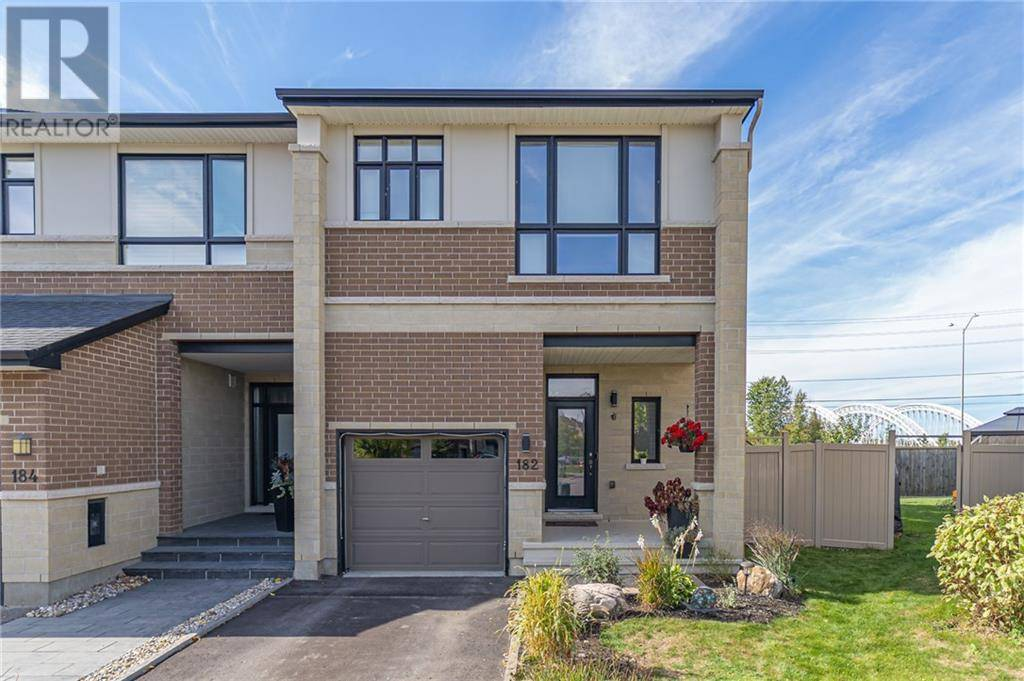 Townhouse for sale at 182 Mattingly Wy Manotick Ontario - MLS: 1175047