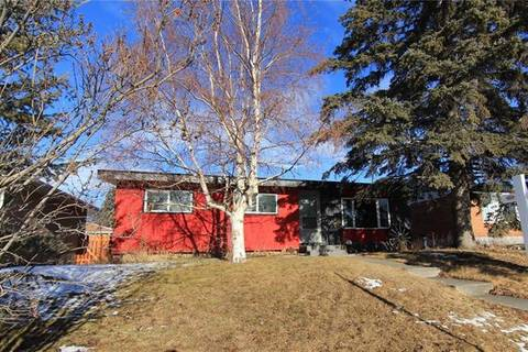 House for sale at 1820 Matheson Dr Northeast Calgary Alberta - MLS: C4279989