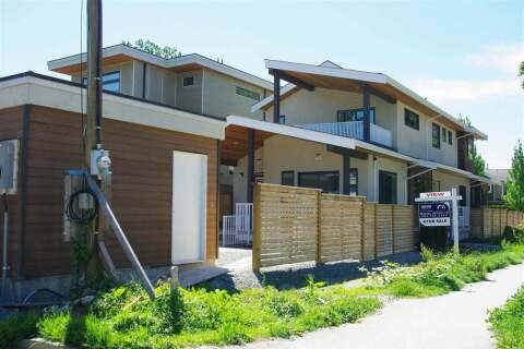 Townhouse for sale at 1820 Saint Georges Ave North Vancouver British Columbia - MLS: R2447296