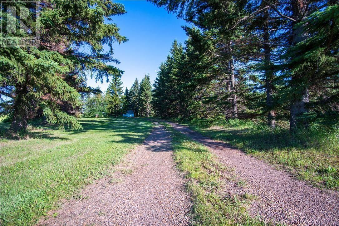 House for sale at 18233 13 Hy Rural Camrose County Alberta - MLS: ca0172440