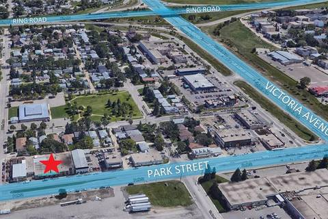 1825 Park Street, Regina   Image 2