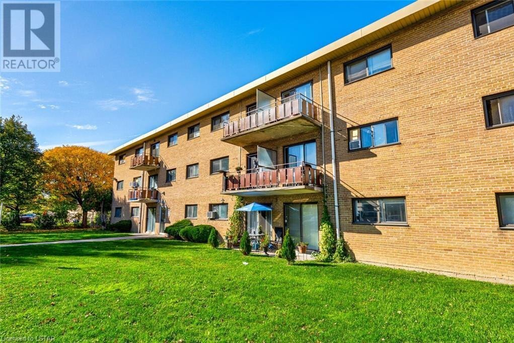 Condo for sale at 1830 Dumont St London Ontario - MLS: 40033690