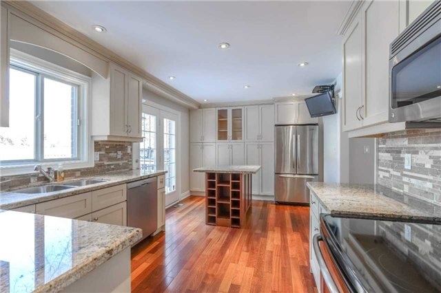 For Sale: 1839 Fellen Place, Mississauga, ON | 3 Bed, 4 Bath House for $1,149,000. See 20 photos!