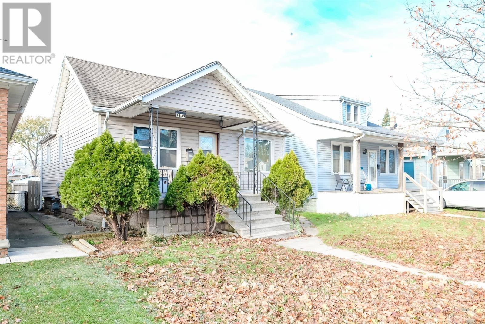 House for sale at 1839 Hall  Windsor Ontario - MLS: 19028717