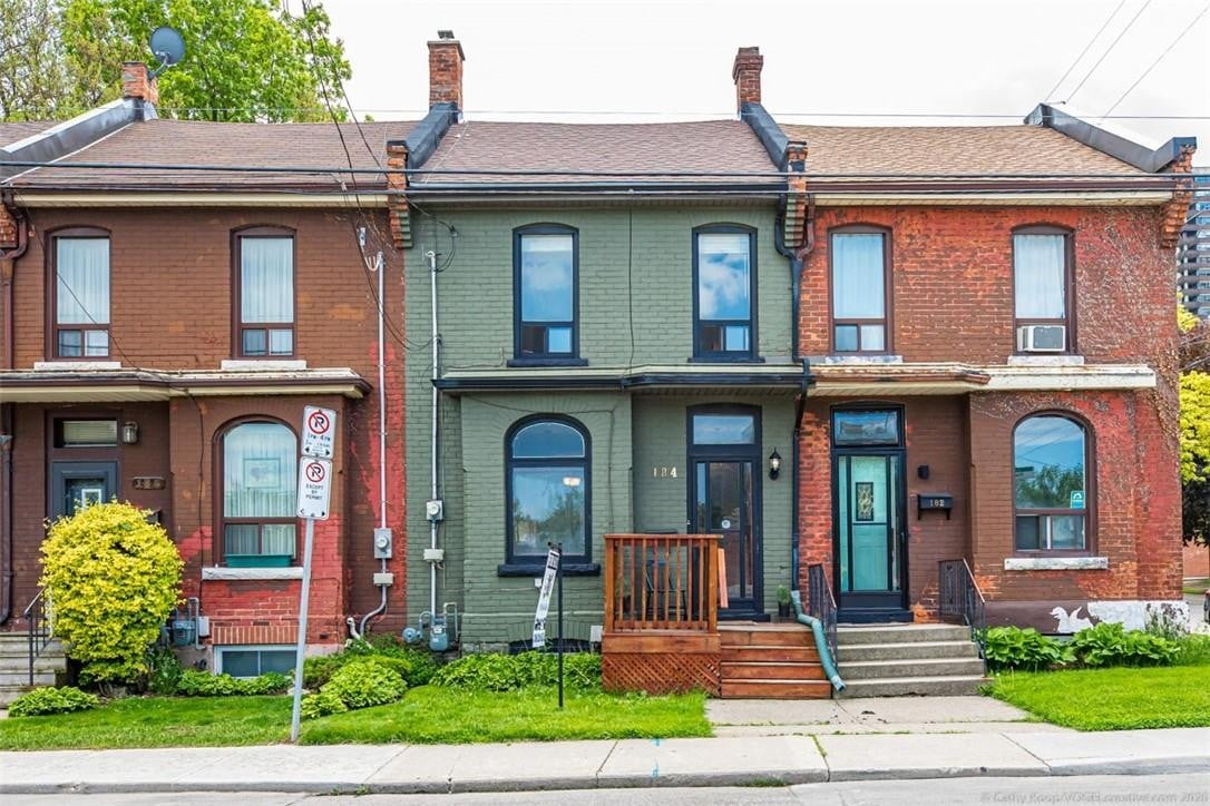 Townhouse for sale at 184 Forest Ave Hamilton Ontario - MLS: H4079379