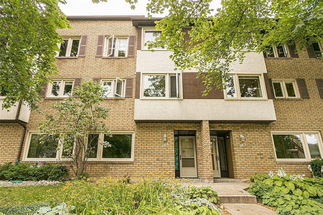 Townhouse for sale at 184 Hess St S Hamilton Ontario - MLS: H4062548