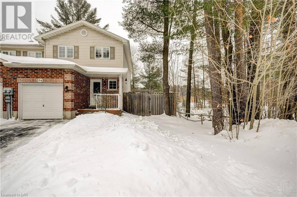 Townhouse for sale at 184 Pine St Bracebridge Ontario - MLS: 240114