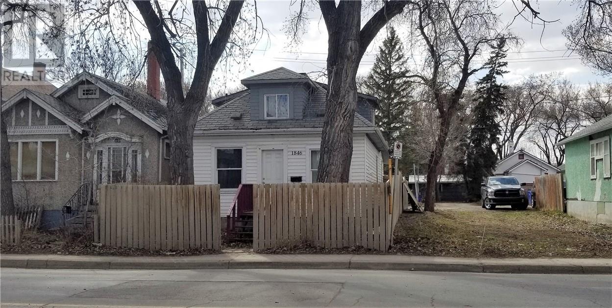 For Sale: 1846 Winnipeg Street, Regina, SK | 4 Bed, 2 Bath House for $119,000. See 28 photos!