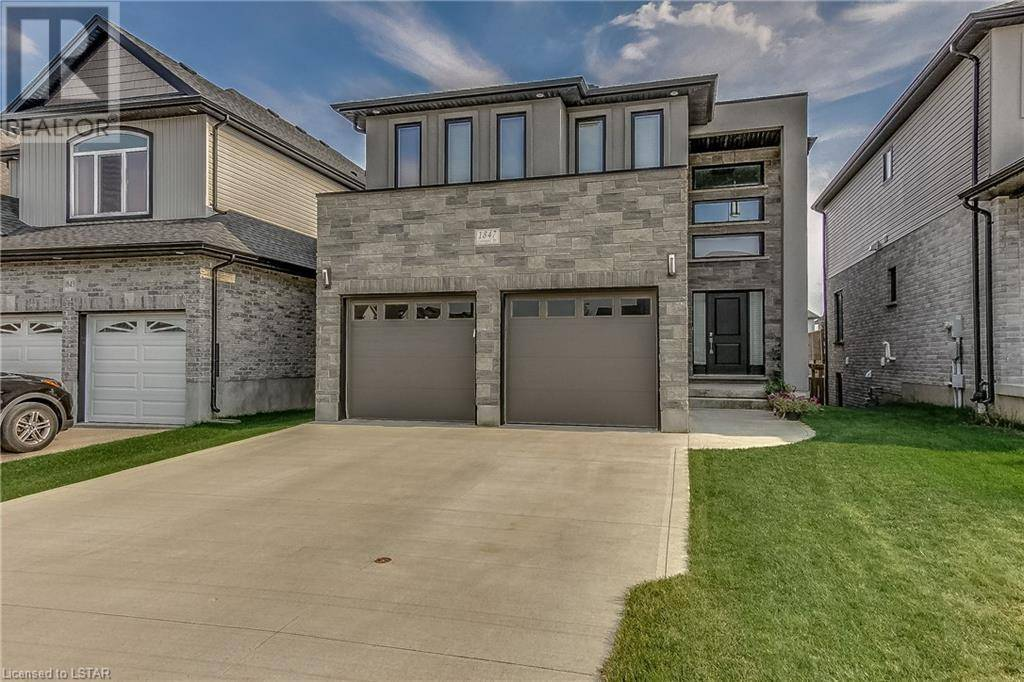 House for sale at 1847 Cedarpark Dr London Ontario - MLS: 221248