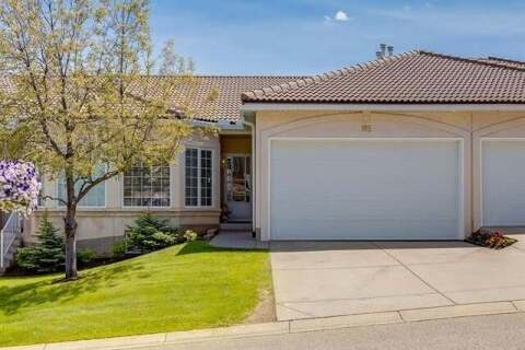 Townhouse for sale at 185 Hamptons Li Northwest Calgary Alberta - MLS: C4304999