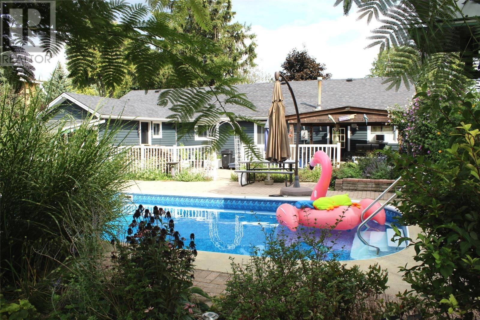 House for sale at 185 Herring  Harrow Ontario - MLS: 19024358