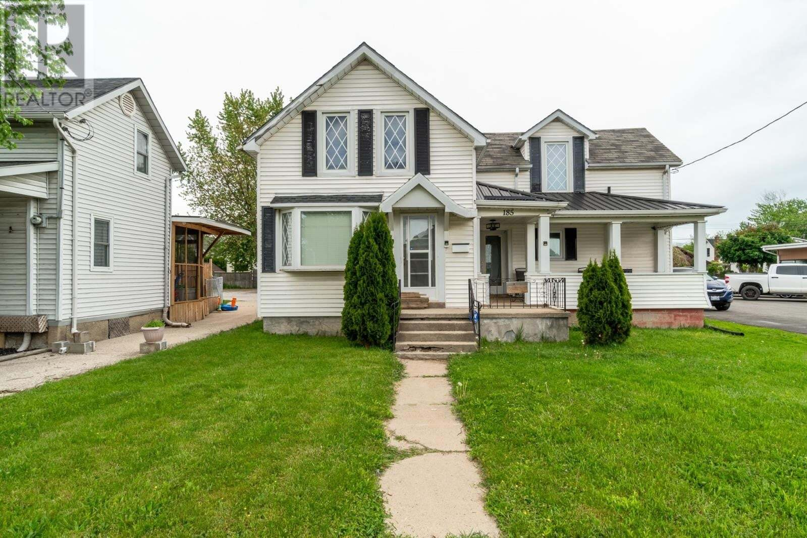 House for sale at 185 St Clair St Chatham Ontario - MLS: 20005892