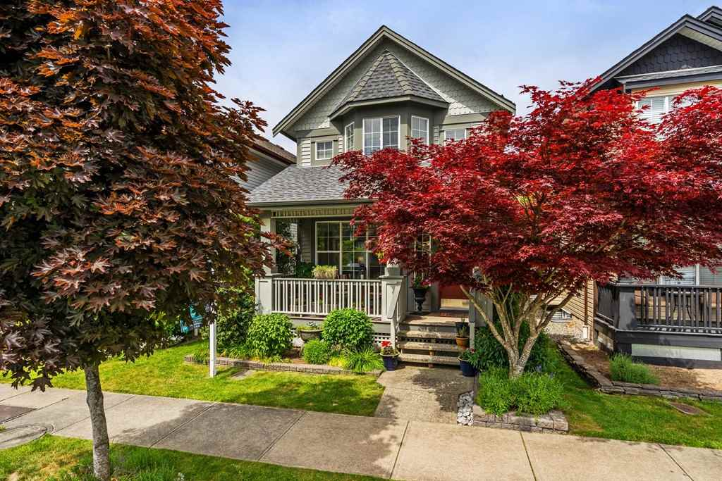 For Sale: 18509 67a Avenue, Surrey, BC   3 Bed, 4 Bath House for $820,000. See 20 photos!
