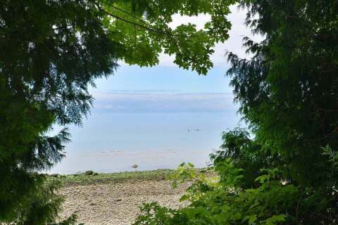 House for sale at 1852 Ocean Beach Esplanade Gibsons British Columbia - MLS: R2472246