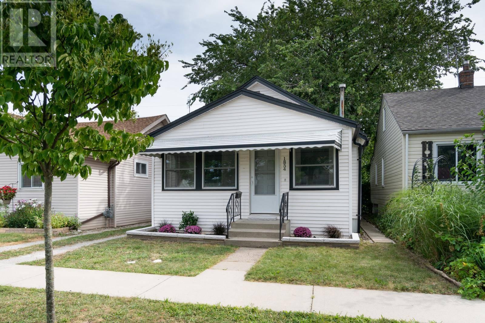 House for sale at 1854 Albert  Windsor Ontario - MLS: 19024308
