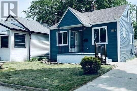 House for sale at 1858 Albert  Windsor Ontario - MLS: 20007780