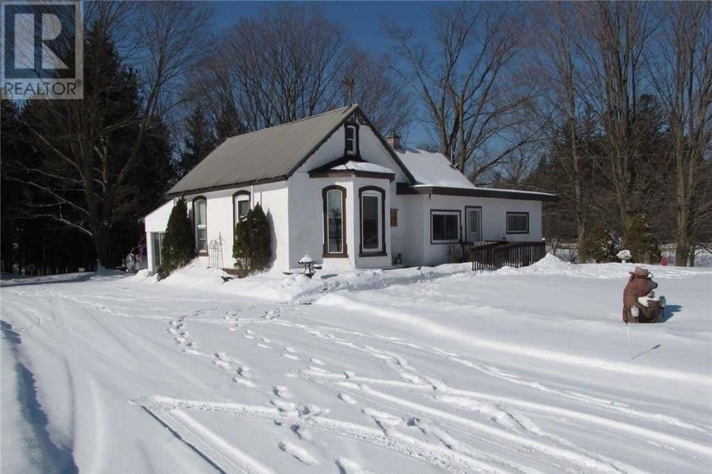 House for sale at 1858 Penetanguishene Rd Springwater Ontario - MLS: 30791414