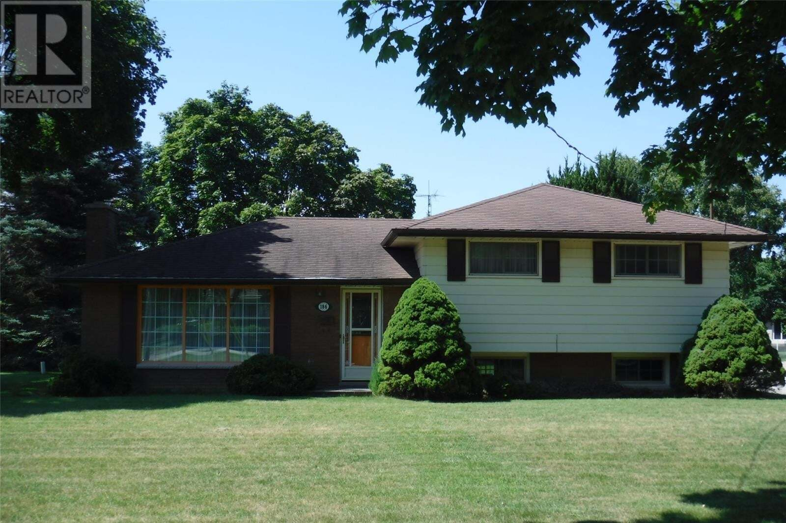 House for sale at 186 Faubert Dr Chatham Ontario - MLS: 20009912
