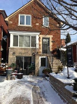 For Sale: 186 Lake Shore Drive, Toronto, ON | 6 Bed, 5 Bath Townhouse for $998000.00. See 9 photos!