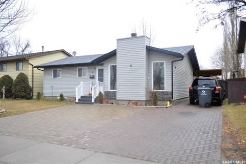 House for sale at 186 Makaroff Rd Saskatoon Saskatchewan - MLS: SK799393