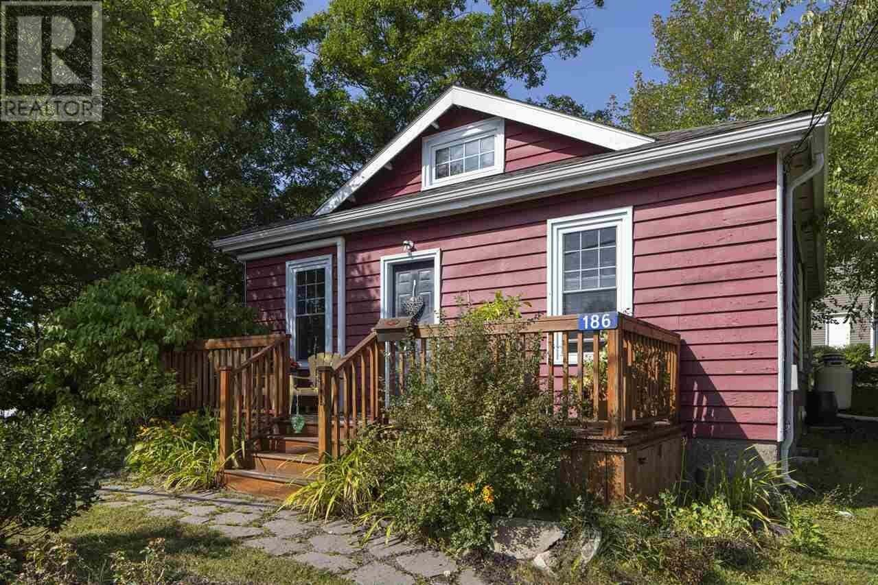 House for sale at 186 Rocky Lake Rd Bedford Nova Scotia - MLS: 202018736