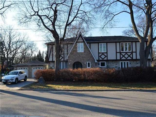 For Rent: 186 Royalavon Crescent, Toronto, ON   3 Bed, 4 Bath House for $4,200. See 18 photos!