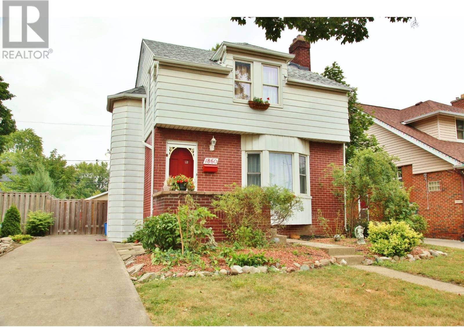 House for sale at 1860 Chilver  Windsor Ontario - MLS: 19023532