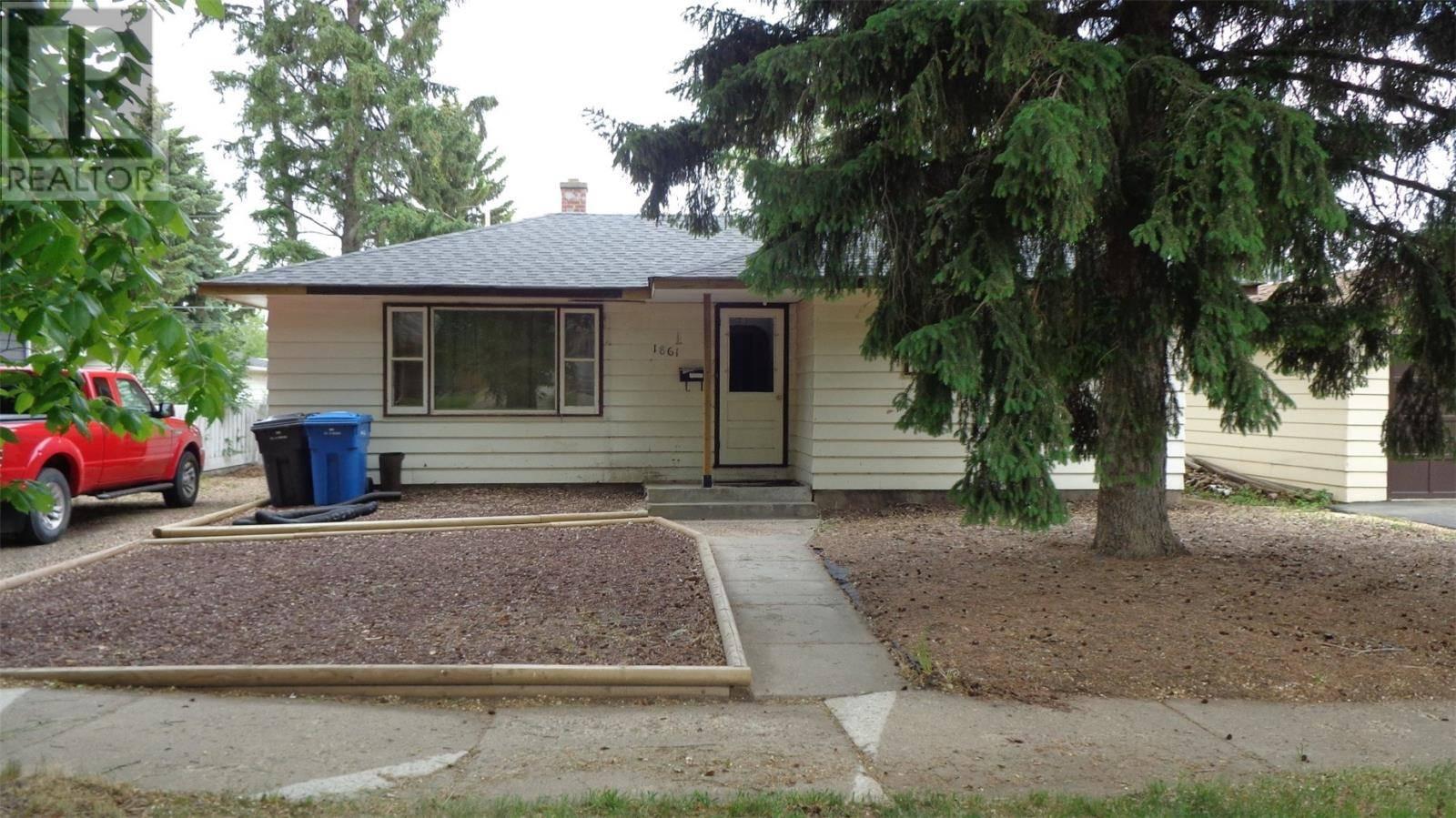 House for sale at 1861 97th St North Battleford Saskatchewan - MLS: SK776041