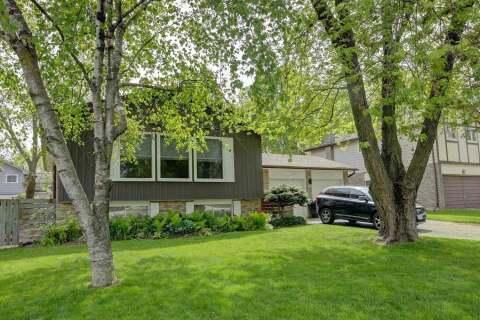 House for sale at 188 Mississaga St Oakville Ontario - MLS: W4776117