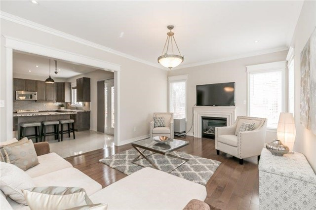 Removed: 188 Sawmill Valley Drive, Newmarket, ON - Removed on 2018-10-18 05:30:17