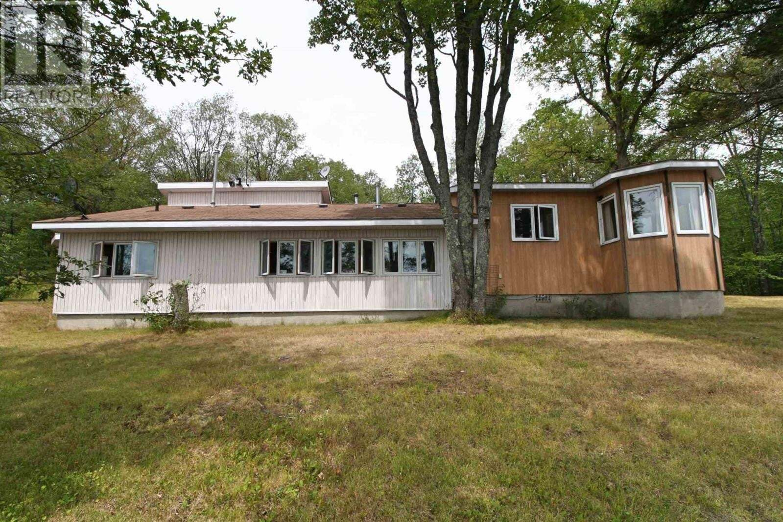 House for sale at 1881 North Rd Central Frontenac Ontario - MLS: K20002529
