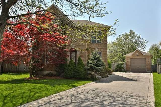 For Sale: 189 Fellowes Crescent, Hamilton, ON   3 Bed, 3 Bath House for $889,000. See 20 photos!