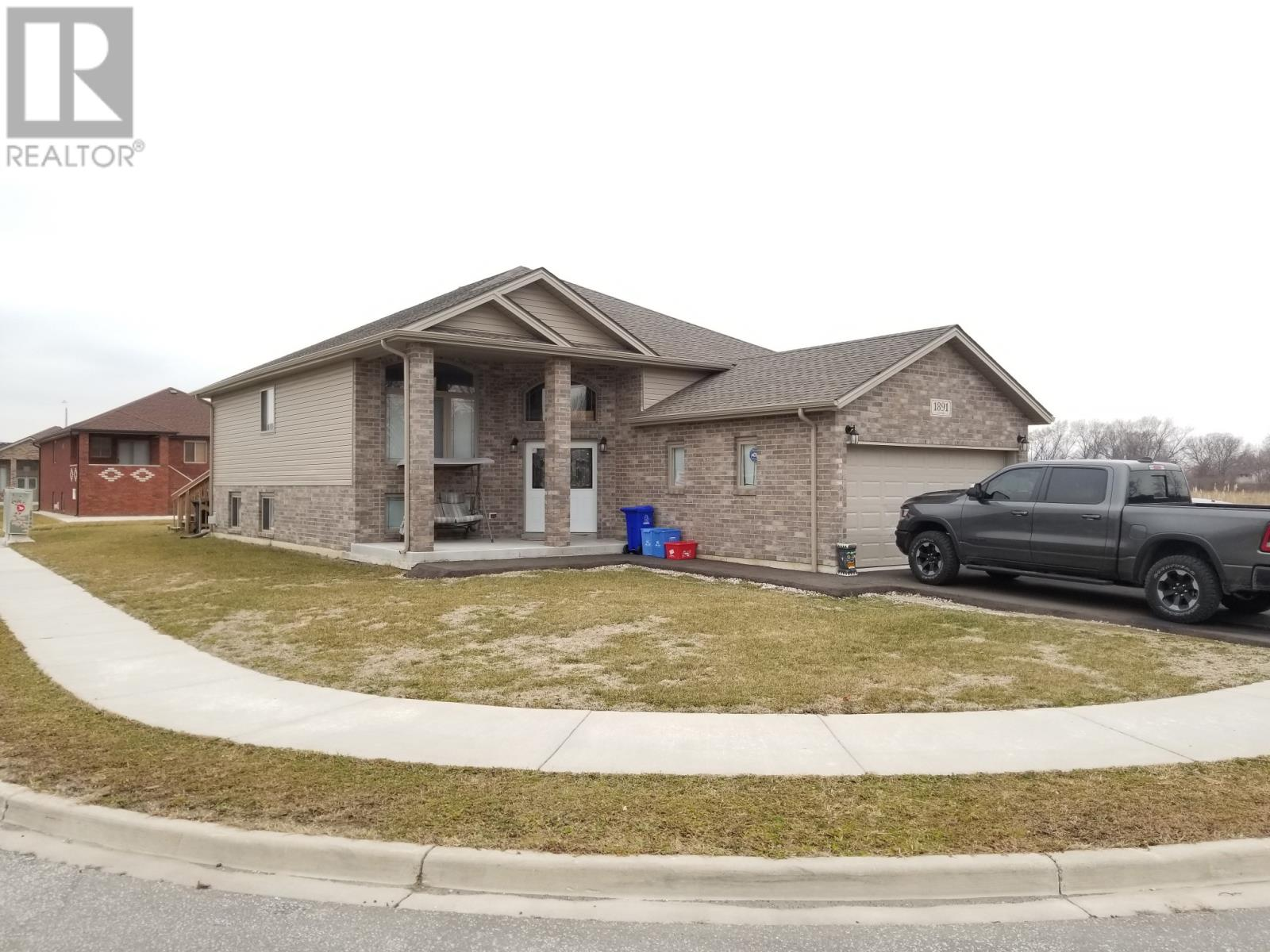 Removed: 1891 Mckay Avenue, Windsor, ON - Removed on 2020-01-28 04:45:19