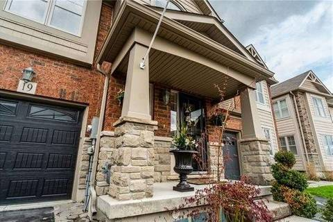 Townhouse for sale at 10 Pumpkin Pass Path Unit 19 Hamilton Ontario - MLS: X4452784
