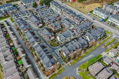 Townhouse for sale at 7155 189 St Unit 19 Surrey British Columbia - MLS: R2427669