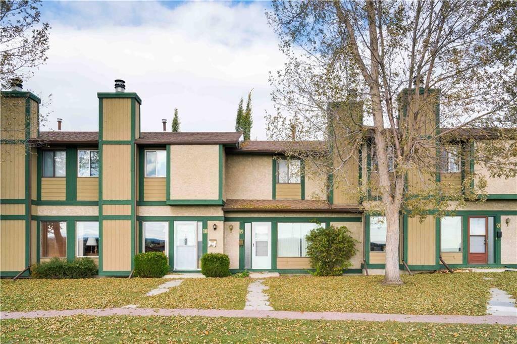 Townhouse for sale at 7166 18 St Se Unit 19 Ogden, Calgary Alberta - MLS: C4271840